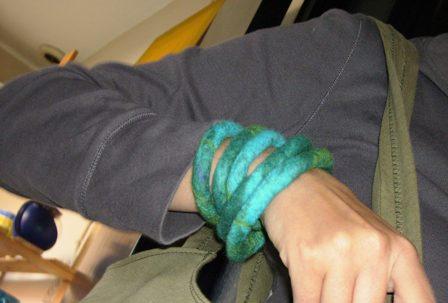 bracelet en feutre