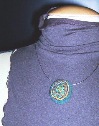 Bijoux en feutre : collier