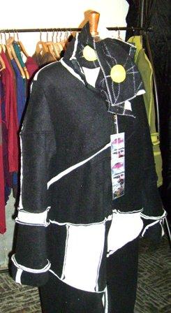 "Manteau ""Sweety Lochky"" Noir & blanc + écharpe - Marché Noël (2011)"