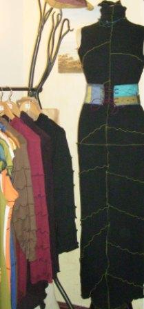 "Incontournables - penderie et robe ""Elna"" (Po 11/2011)"