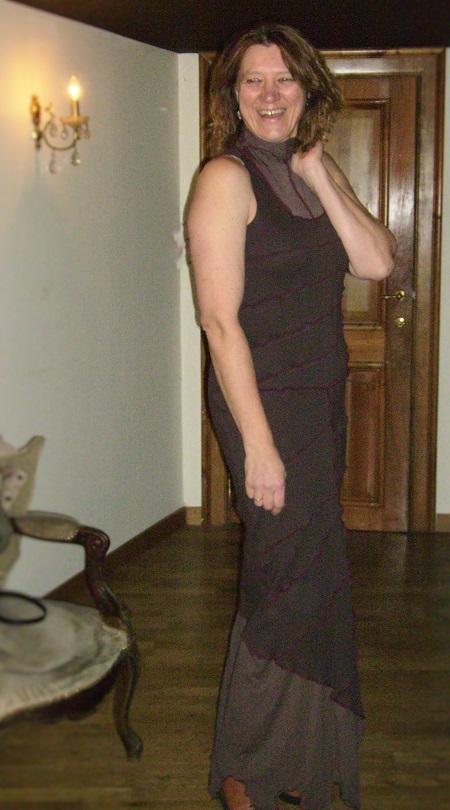 Linda : robe Elna retravaillée (composition) - Nov. 2010